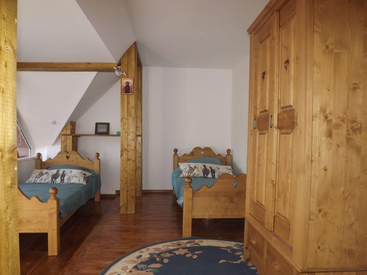 Irina room, three single beds